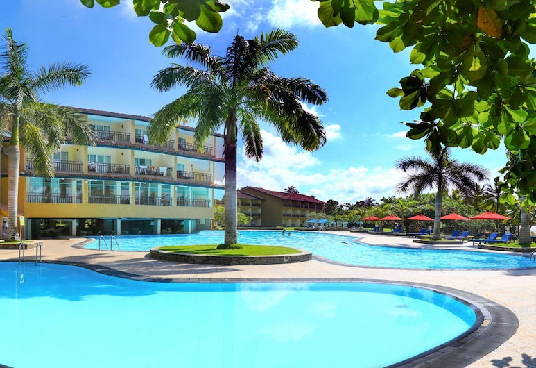 The Palms, Μπερουβέλα, Εξωτερική πισίνα