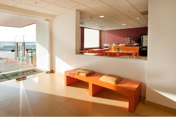 在托卢卡的托卢卡城市快捷青年酒店 Aeropuerto照片