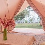 Romantiško stiliaus palapinė, 1 standartinė dvigulė lova - Vaizdas į sodą