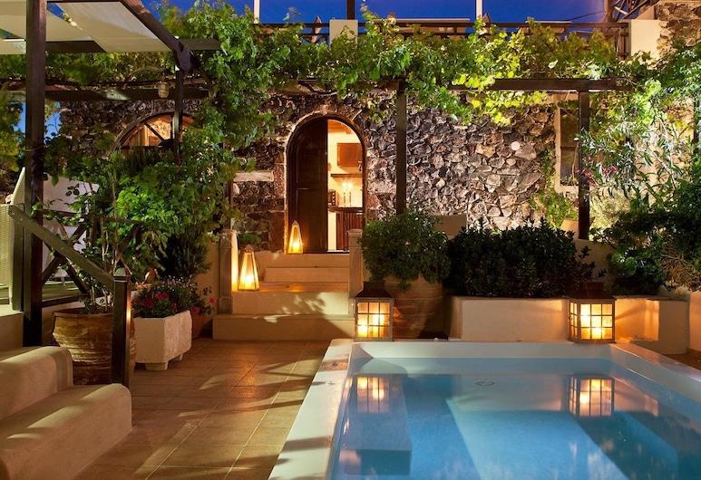 Lava Suites and Lounge, Santorini