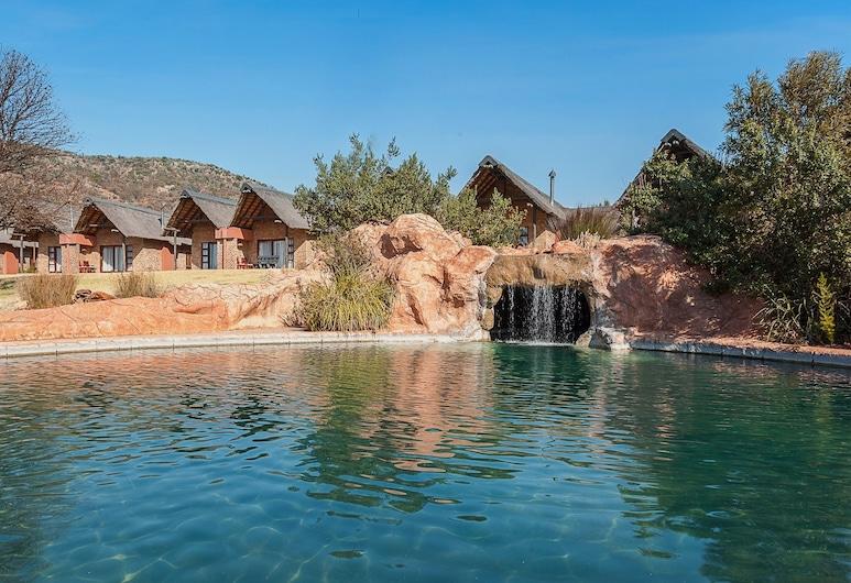 Kloofzicht Lodge & Spa, Krugersdorp, בריכה חיצונית