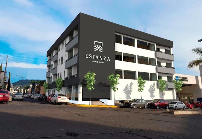 Estanza Hotel & Suites, Morelia, Hadapan Hotel