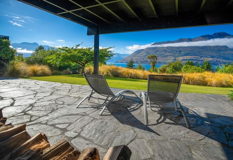 Hidden Lodge Queenstown , Κουίνσταουν, Superior Δωμάτιο, 1 King Κρεβάτι με Καναπέ-Κρεβάτι, Θέα στη Λίμνη, Στον κήπο, Κήπος