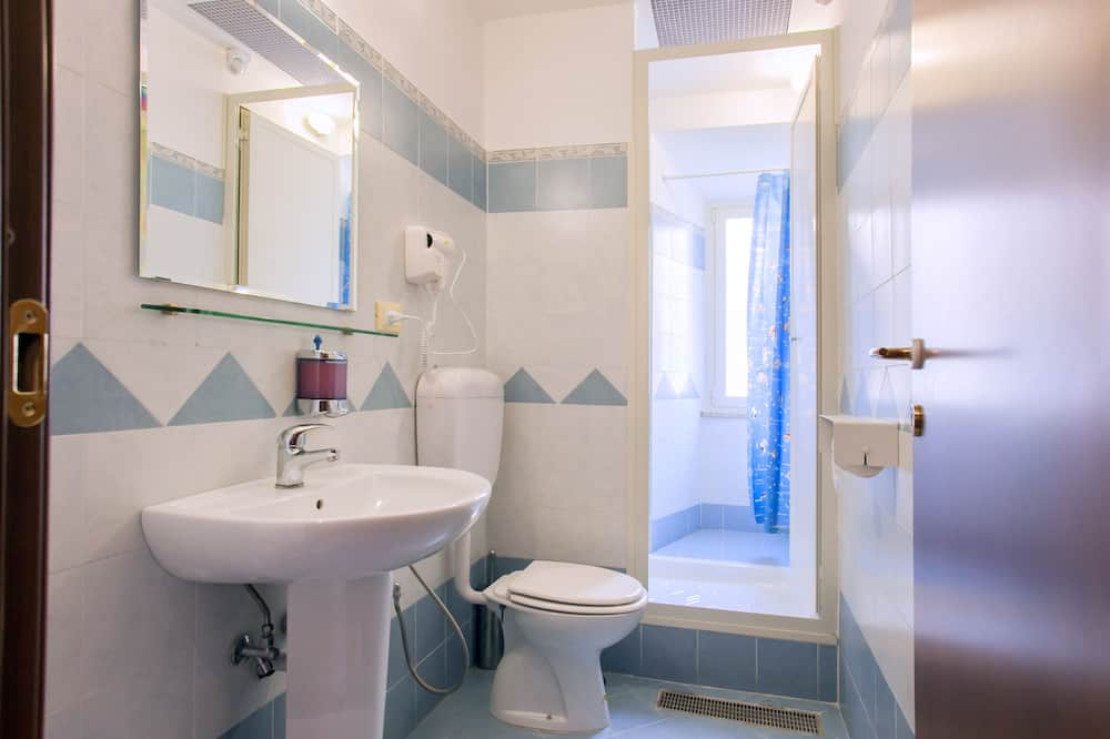 標準共用宿舍, 男女混合宿舍 (External bathroom) - 浴室