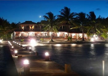Picture of Robert's Grove Beach Resort in Placencia