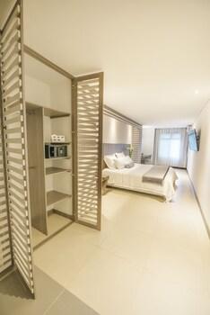 Picture of Aparta Suites Torre Poblado in Medellin