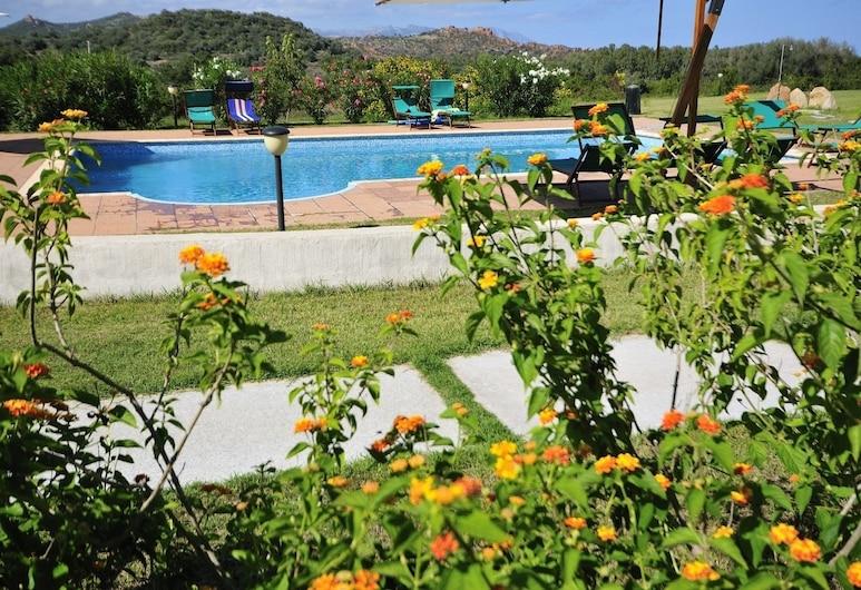 Resort Baia Cea, Bari Sardo, Alberca al aire libre
