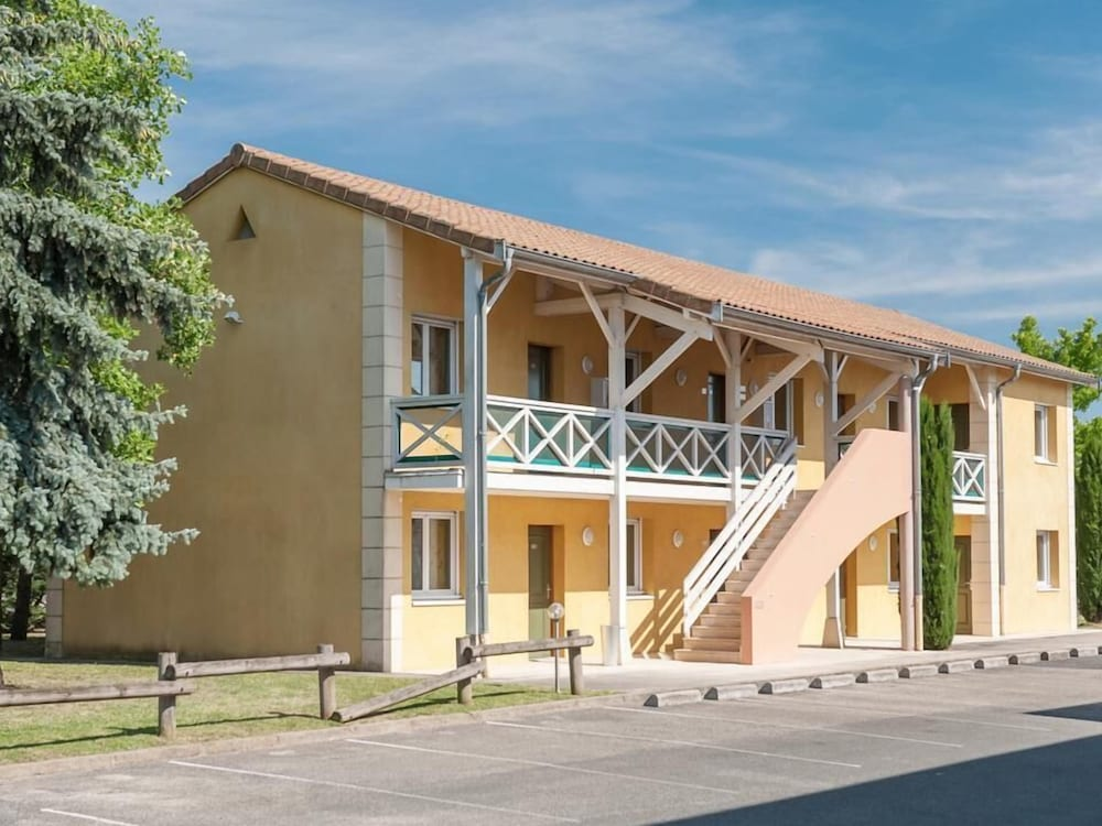 Hotel Newport, Villefranche-sur-Saone