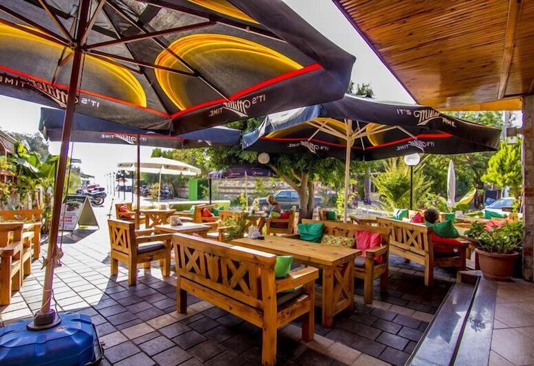Magic Tulip Beach Hotel, Fethiye, Terraza o patio