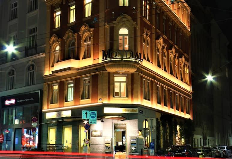 Mondial Appartement Hotel, Viedeň, Pohľad na zariadenie - večer