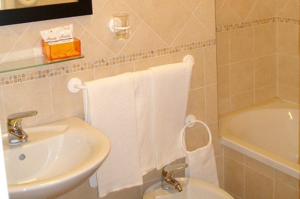 Apartmán typu Comfort, 2 spálne, kuchynka - Kúpeľňa
