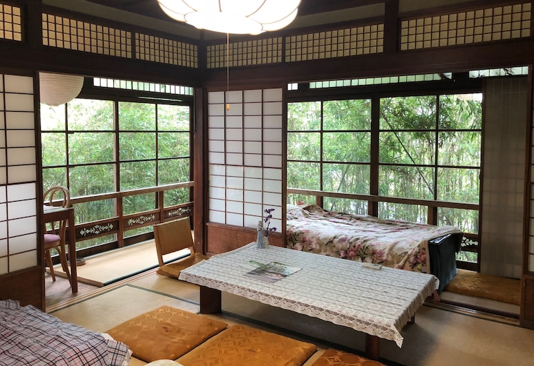 International Guest House Tani House - Hostel, Kyoto, Family Room, Living Area
