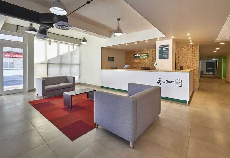 City Express Junior Cancun, Cancún, Sala de estar en el lobby