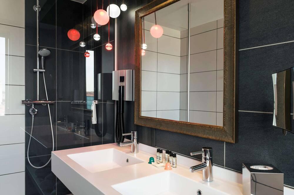 Privilege, Room, 1 Double Bed - Bathroom