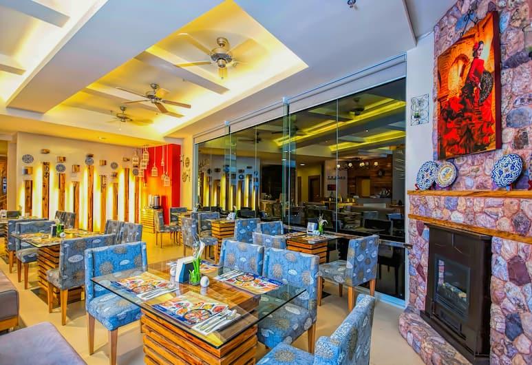 碧瑤小屋飯店, Baguio, 飯店內酒吧