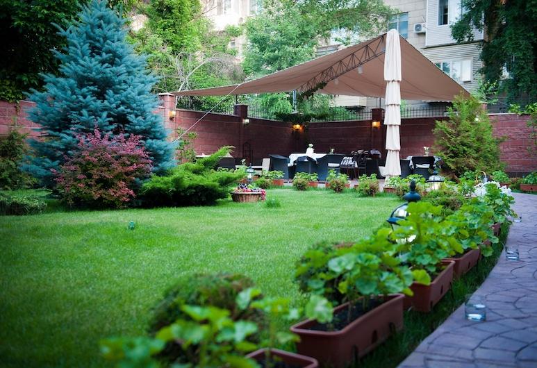 Park Hotel Bishkek, Biškek, Bassein