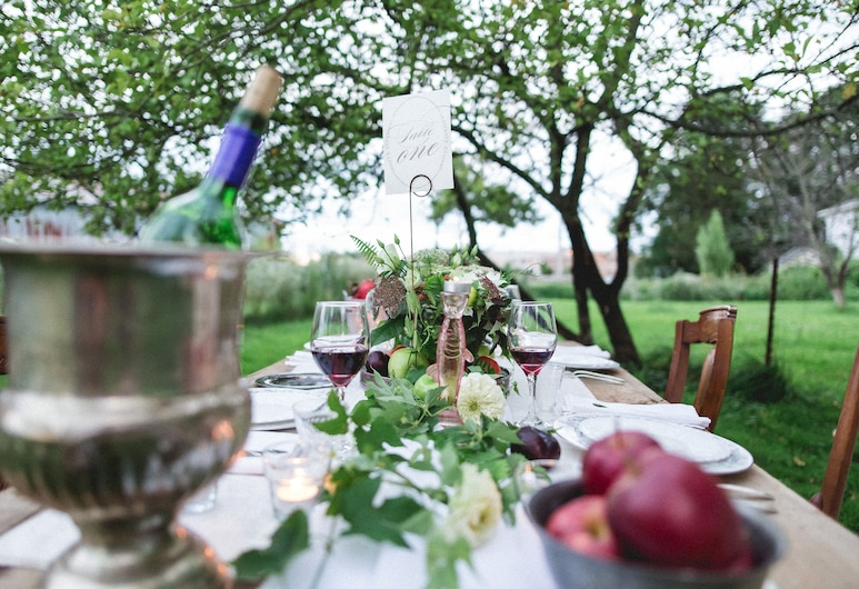 Orchard House Bed & Breakfast, Granville, Outdoor Dining
