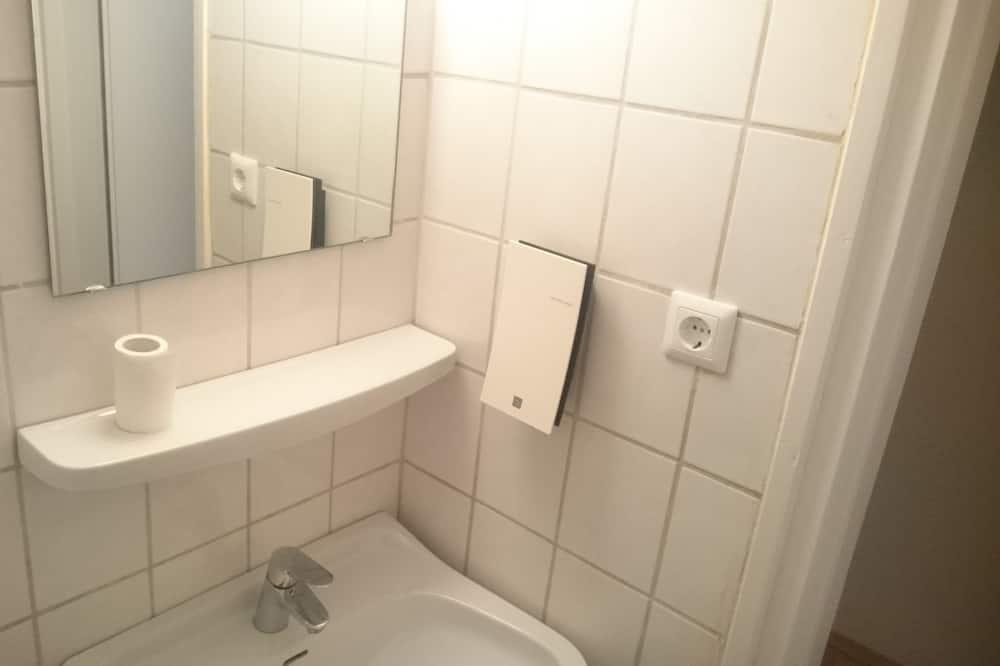 Doppelzimmer zur Einzelnutzung (Hostel Room) - Badezimmer