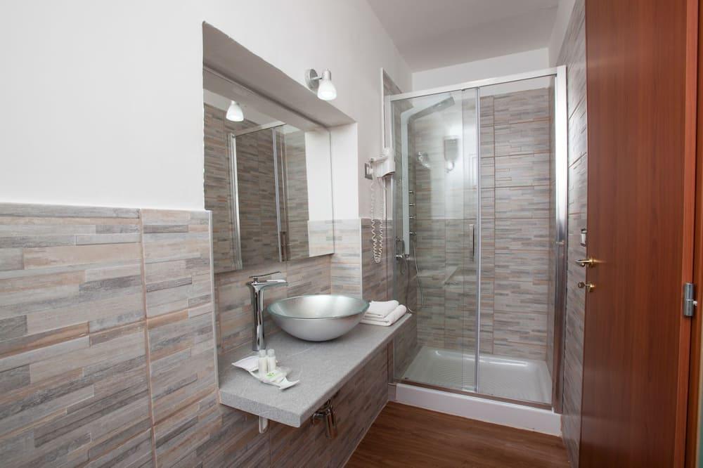 Quadruple Room, Private Bathroom - Bathroom