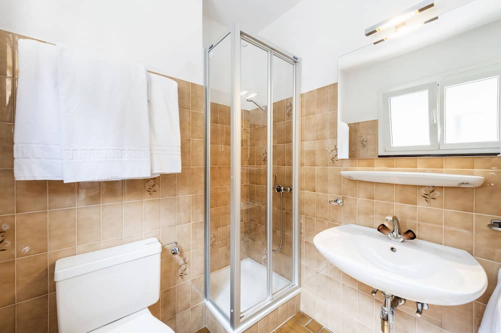 Double Room Single Use, Mountain View - Bathroom