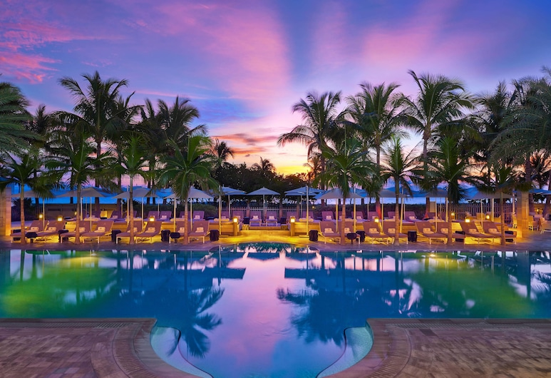 The St. Regis Bal Harbour Resort, Bal Harbour, Pool