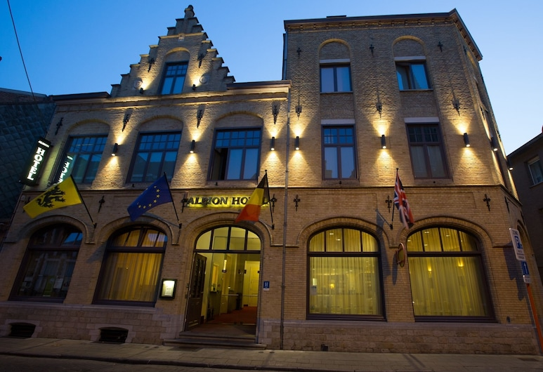 Albion Hotel, Ypres