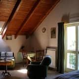 Economy Apart Daire, 1 Yatak Odası, Küçük Mutfak, Zemin Kat (The Oscar Wilde Apartment) - Oturma Alanı