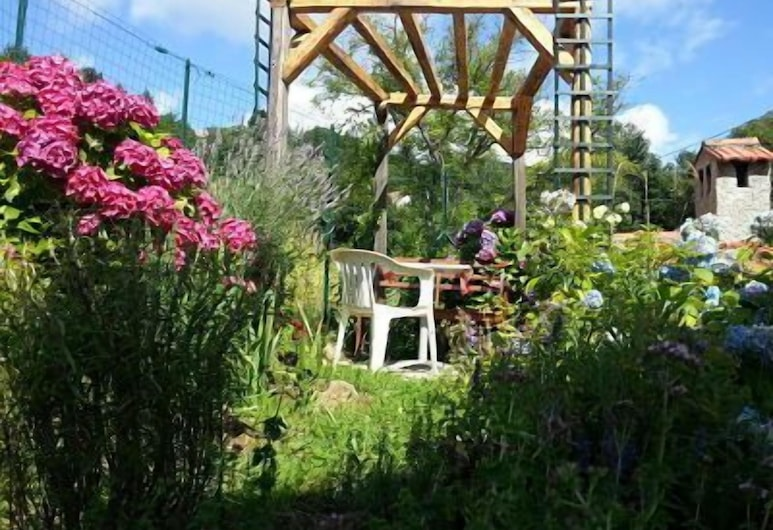 La Casa Inglese, Urbe, Κήπος