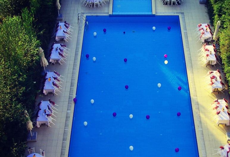 帕夏別墅酒店, 吉爾吉斯柯伊, 泳池