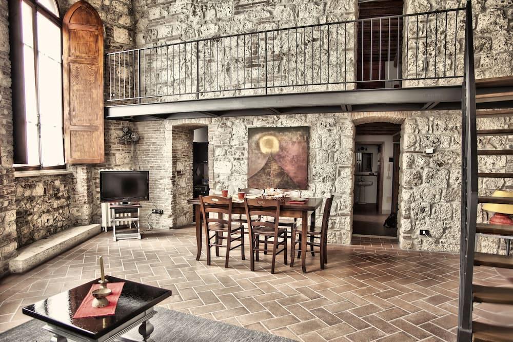 דירת סטנדרט, 2 חדרי שינה, 2 חדרי רחצה (4 people) - אזור אוכל בחדר