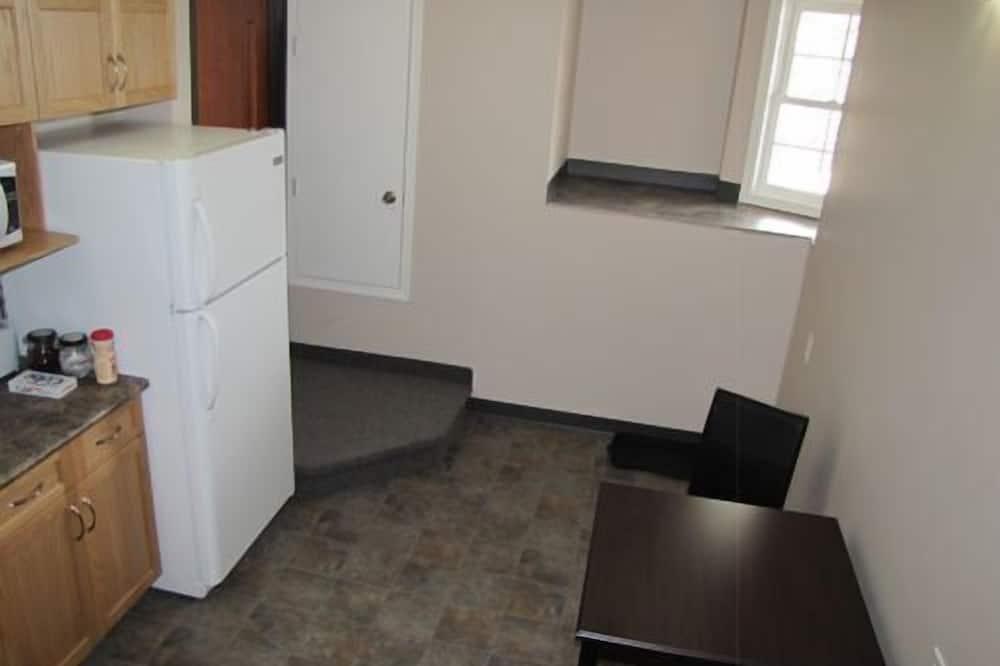 Camera Standard, 2 letti matrimoniali, bagno condiviso - Cucina in comune