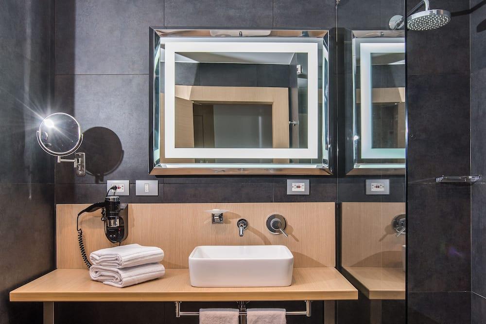 Стандартний номер з 2 односпальними ліжками - Ванна кімната