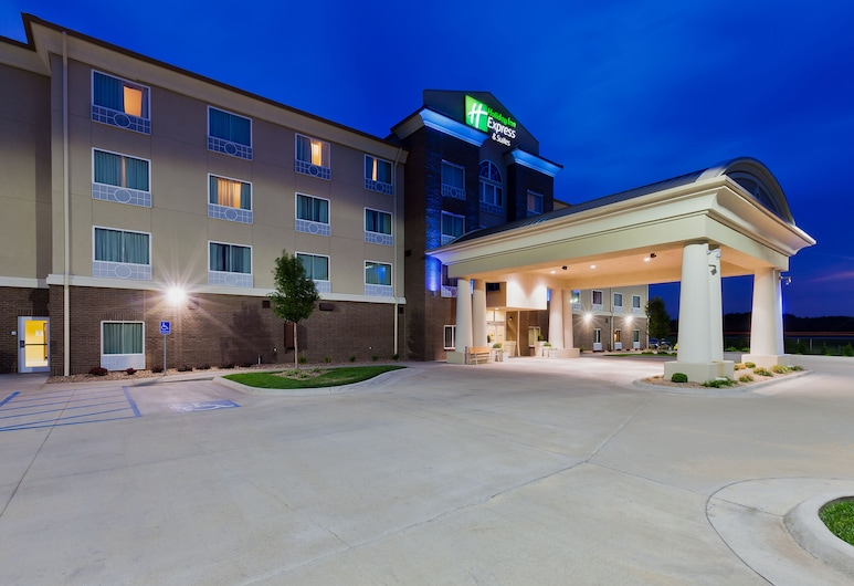 Holiday Inn Express Salinas, סלינה