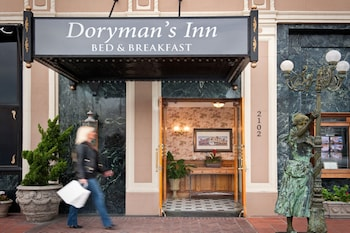 Picture of Dorymans Oceanfront Inn in Newport Beach