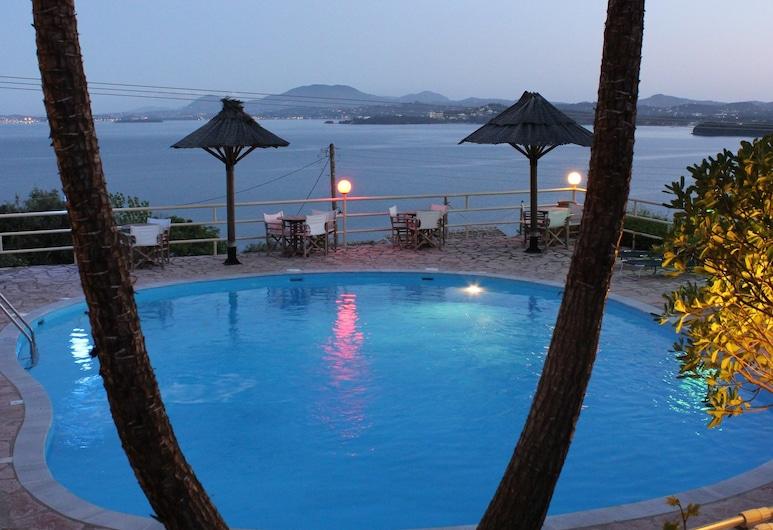 스테파노스 플레이스, 코르푸, 야외 수영장