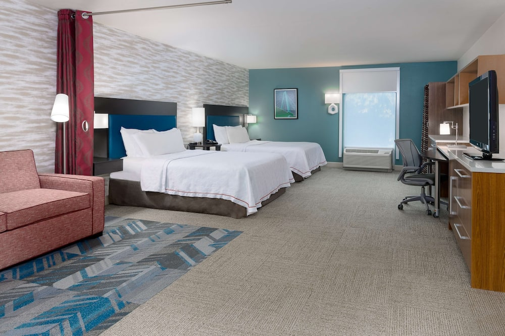 Studijas tipa numurs, 2 divguļamās karalienes gultas, vanna - Dzīvojamā zona