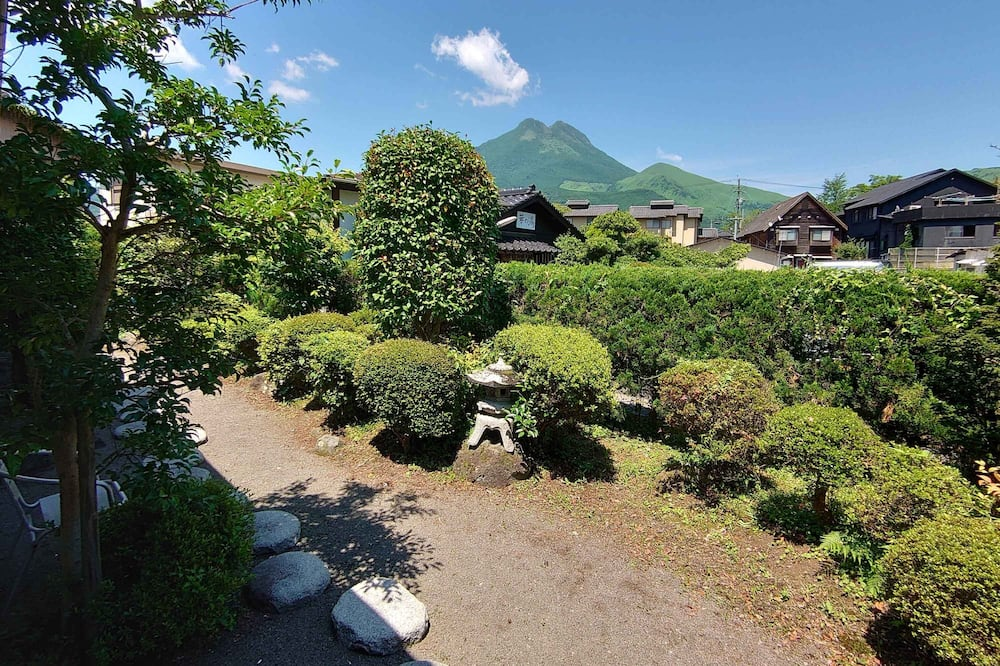 Standard Japanese Style Room with Shared Bathroom - Mountain View