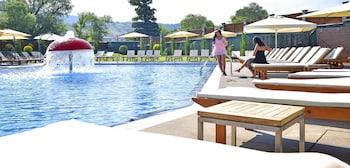 תמונה של Regnum Bansko Hotel & Thermal pools in Banya בבנסקו