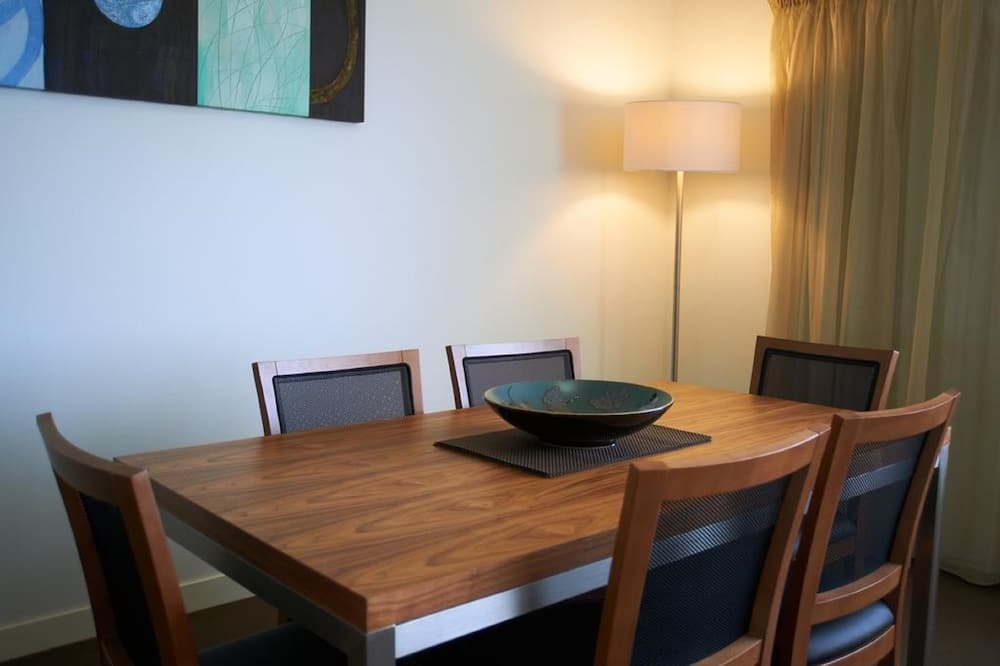 Two Bedroom Executive Apartment - In-Room Dining