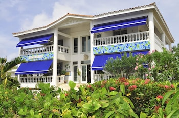 Picture of Hosteria Mar y Sol in San Andres