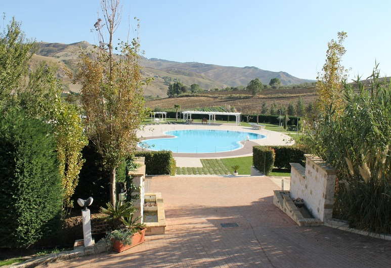 Casale Margherita, Cammarata, Εξωτερική πισίνα