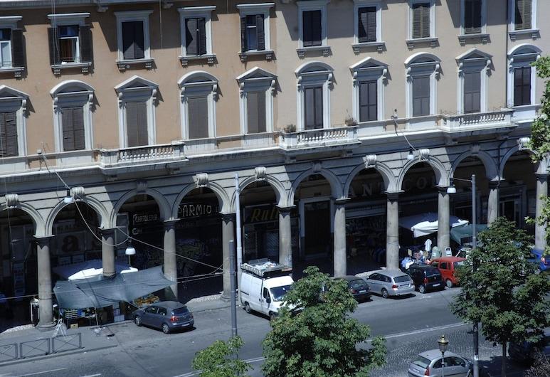 호텔 롬 러브, 로마, 호텔 정면