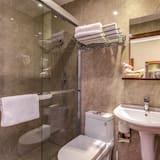 Classic Double or Twin Room, 1 Double or 2 Twin Beds - Bathroom