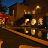 Superior Villa, 4 Bedrooms, Kitchenette, Poolside - Outdoor Pool