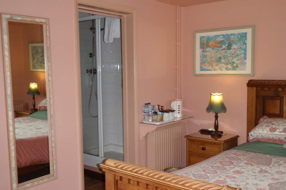 ห้องดับเบิล, เตียงคิงไซส์ 1 เตียง, ห้องน้ำในตัว - ห้องอาบน้ำ