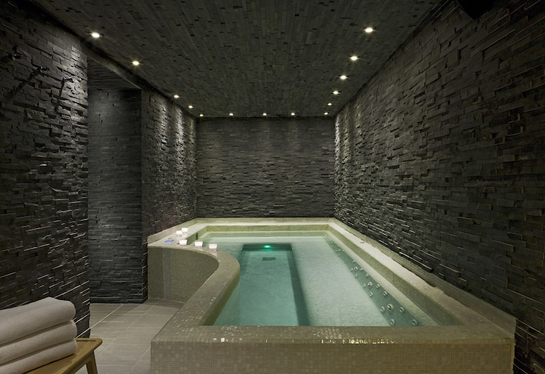 Hotel Le Faucigny, Chamonix-Mont-Blanc, Indoor Spa Tub