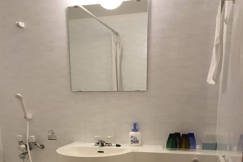 Traditional-Zimmer, Kühlschrank - Badezimmer
