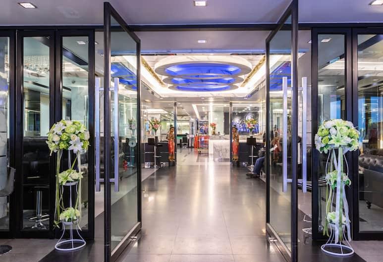 グスト ホテル プラトゥーナム, バンコク, ホテルのフロント