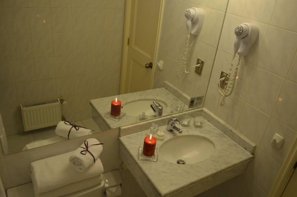 Executive Single Room - Bathroom