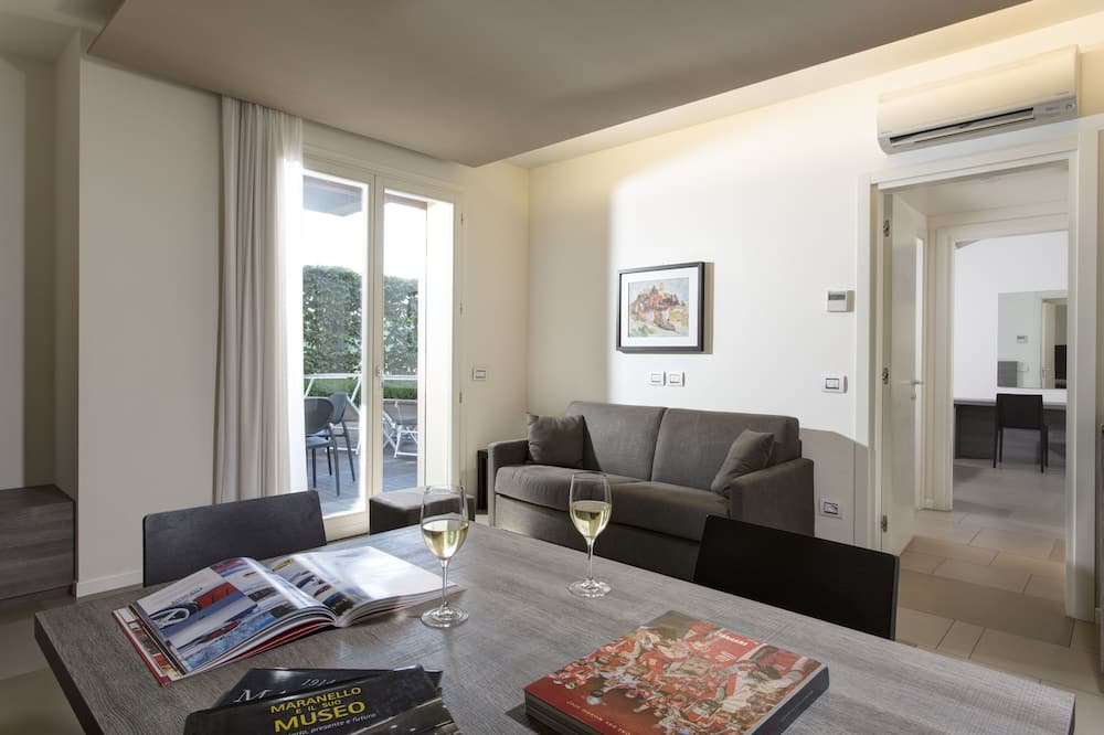 Superior Deluxe Suite Single Occupancy for 1 person - Living Room